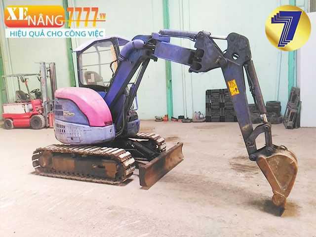 Xe cuốc đất gàu 01 Komatsu PC28UU-3