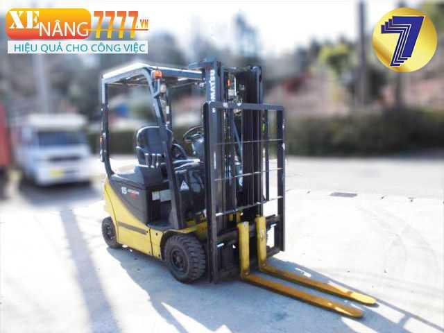 xe nâng điện komatsu 2.5 tấn, xe nâng xăng ga qua sử dụng giá tốt.